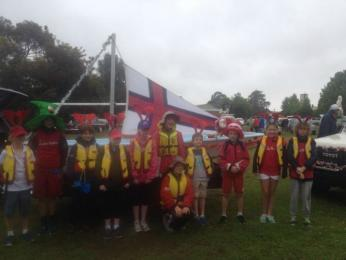 Boats, floats and sailing school sailors participated in the Bairnsdale Parade flying the GLYC flag.  Well done!!!